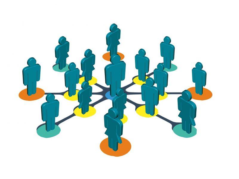 Na zdjęciu grafika przedstawiająca sylwetki ludzkie połączone kręgami. Grafika symbolizuje współpracę organizacji pozarządowych