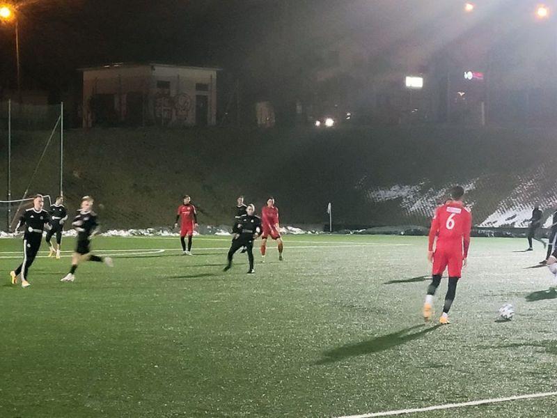 Na zdjęciu mecz sparingowy piłkarzy Lechii Tomaszów i Polonii Piotrrków Trybunalski.